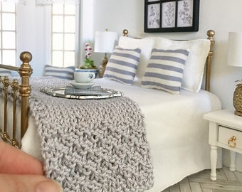 Miniature Hand Knitted Grey Throw Blanket - Dollhouse - Roombox - Diorama - 1:12 scale