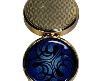 Box triskel blue spiers