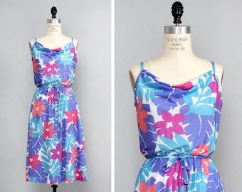 Floral Sundress M • Tropical Dress • 70s Floral Dress • Spaghetti Strap Dress • Cowl Neck Dress • A Line Dress • Floral Dress | D700