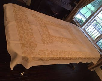 Vintage Tablecloth Damask Pale Yellow and Cream 1970s Vintage Home Decor Vintage Kitchen
