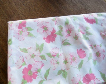 """Mod Pink Floral Flat Sheet; 1970s Vintage 81 x 104"""" Cotton-Poly Garden Flower Double Sheet; Unused/Near-Mint; U.S. Shipping Included"""
