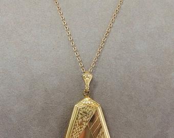 Vintage Gold Filled Etched Locket w/ Teardrop Shape & Chain    OAN49