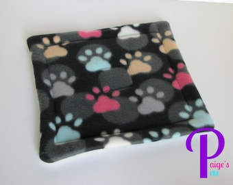 Potty Pad with U-Haul Lining for Guinea Pigs, Ferrets, Hedgehogs, etc. | Paw and Dot with Grey