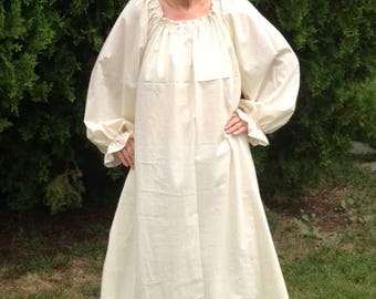 Womens (XS, S, or M) Renaissance Long sleeve Gown