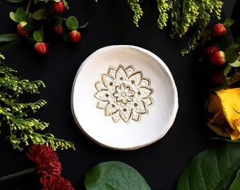 Mandala Ring Dish / Mandala Jewelry / Mandala Gift / Mandala / Jewelry Dish / Bridesmaids Gift / Wedding Gift / Personalized Ring Dish /
