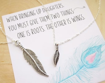 Mom & daughter twinning necklace set, matching feather charm neckalces for mother and child, valentines day gift for daughter from mom