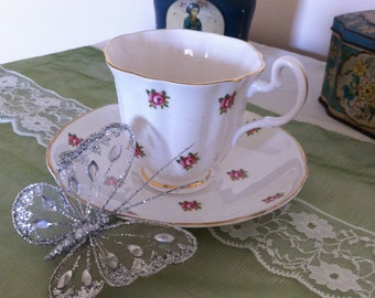 Vintage Teacup and Saucer Rosebuds, 1950's Teacup and Saucer Pink Roses.