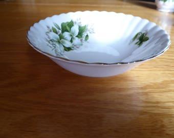 """Vintage Royal Albert Bone China TRILLIUM Cereal Bowl 6 1/4"""""""