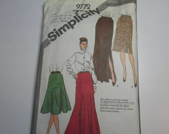 Simplicity Pattern 9772 Vintage 1980 UNCUT size 6 & 8 Misses' skirt in two lengths