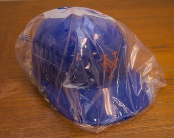 New York Mets Baseball Helmet 1980s vintage new old stock in package
