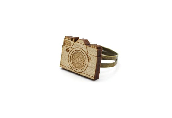 Vintage camera ring - lasercut maple wood - photograph ring - graphic vintage ring - retro jewelry - geek jewelry - one size fits all - OSFA