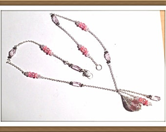 Handmade MWL pink and silver beaded necklace. 0156