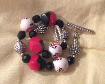 SAVE 25% WITH CODE: SAVE25 Go Bearcats! Game Day Bracelet - Cincinnati Bearcats Beaded Bracelet