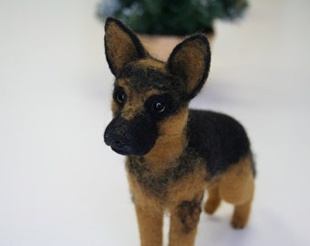 German Shepherd.Needle Felted German Shepherd.Custom Made Dog.Pet Portrait.Soft Sculpture.Pet.Realistic felted animal.Made to order.