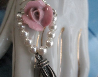 Fashion Doll Gothic Tassel and Pearls Necklace