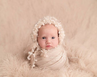 Baby Hat, Knit Baby Bonnet, Newborn Baby Hat, Newborn Photo Prop, Baby Hat, Knit Baby Hat, Boucle Cream and Beige Yarn