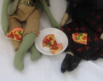 Doll's play food pizza