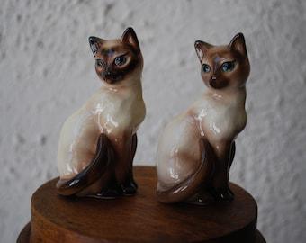 vintage ceramic cats - pair of Siamese - 1960's - Retro - Miniatures