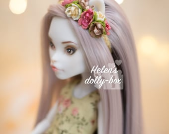 Flower headband for Monster and Ever After dolls.