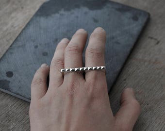 Slicker then ever Minicyn studded knuckle duster