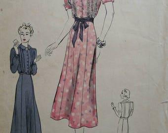 Vintage Vogue dress pattern 40s