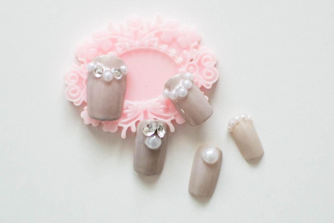 3D Pearl and Crystal Cluster Japanese Nails, Bridal Nails, Wedding ...