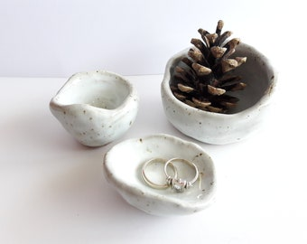 small Scandi pots - set of 3 - ceramic spice pots - dipping bowls - primitive pinched pots - salt and pepper pots - trinket / ring dish