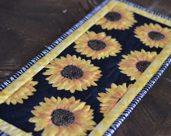 Sunflower Table Runner, Yellow quilted table runner