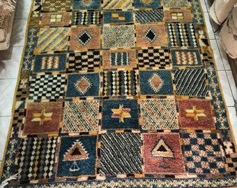 Triangle Diamond Moroccan Rug, Handwoven Rug