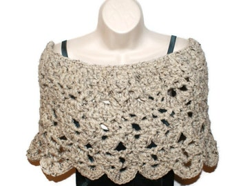 Crochet Poncho, Crochet Capelet, Wedding Shawl, Womens Shawl, Crochet Shawl, Shoulder Shawl, Chunky Barn Wedding, Woman Poncho