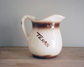 Vintage Texas Souvenir Creamer Restaurantware Milk Pitcher Aquarena Resort White Ironstone Kitchen Collectibles Pottery Ceramic Vase