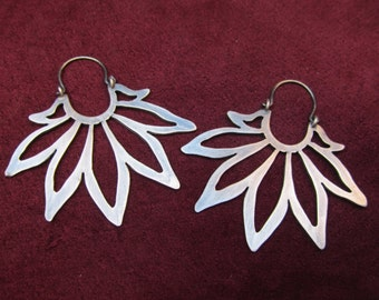 Sunflower Silver Earrings. Contemporary jewellery. Unique pieces. Handcrafted jewellery.
