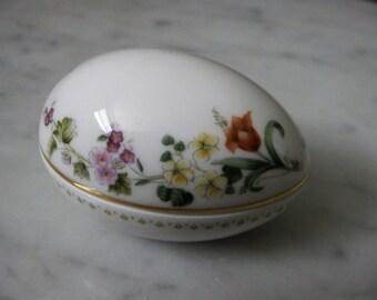 Wedgewood Egg Porcelain China Floral Motif Gilded Detail Ring Dish Trinkets Orange Purple Green Vintage