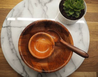 Vintage Peanut serving bowls and spoon set in original box
