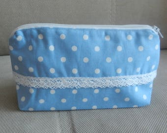 Romantic pouch with lace
