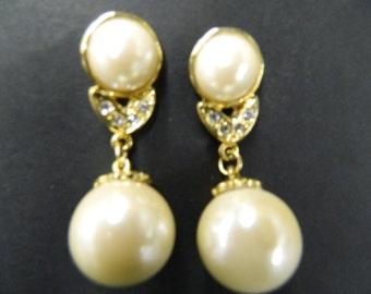 Vintage pearl rhinestone earrings