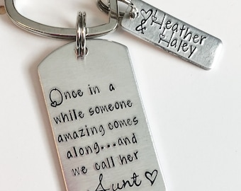 Aunt keychain - Gift for Aunt - Hand stamped keychain - Personalized keychain - Hand stamped jewelry - Custom gift