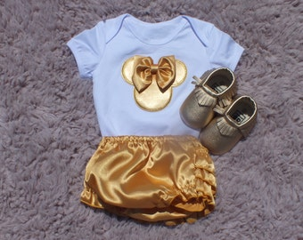 Mouse with Bow White and Gold Outfit, Mouse Personalized Outfit, Gold and White Mouse Outfit with shoes, Personalize Infant Girl Outfit