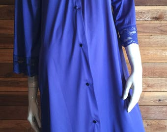 Vintage Lingerie 1970s GILEAD Blue Size Small Peignoir or Robe Style 4931