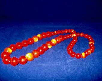 Orange bead retro necklace
