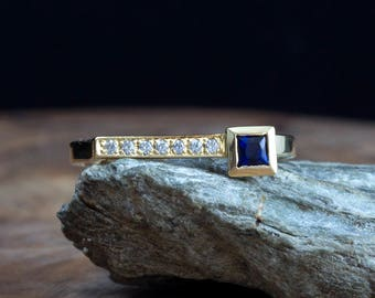 Sapphire ring - Blue sapphire - Sapphire and diamond ring - ring - Sapphire jewelry - gold - square - something blue - September birthstone