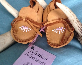 Mienko's Moccasins, Mienkosmoccs, moccs, newborn gift,  infant moccasins,special baby shower gift, baby, fit 0-4 mo., leather baby moccasin