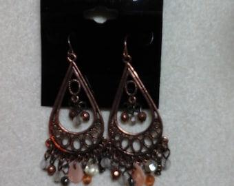 Metal dangle post earrings