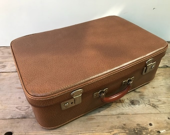 Vintage Brown travel trunk suitcase + Vintage 70s leather handle