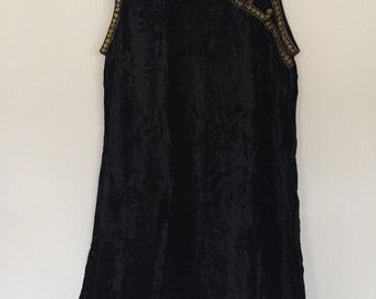 90's vintage bohemian crushed velvet dress size S/M w gold details