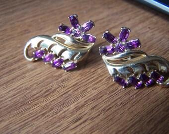 Vintage 1951 HOLLYCRAFT Purple - amethyst Rhinestone gemstone Earrings