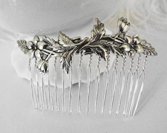 Dainty SilverPosies Comb Ms  Hepburn