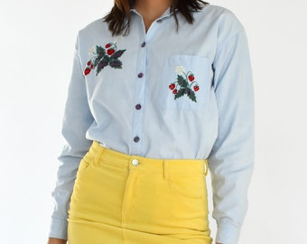 Vintage Denim Button Down Shirt Light Wash Blue Jean Long Sleeve Collared Pink Plaid Strawberry Embroidered Women's