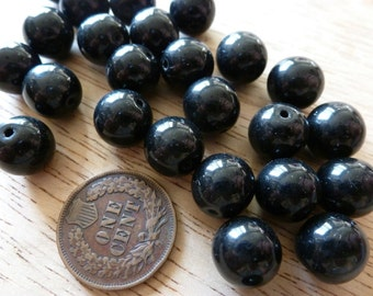 24 Vintage Good 'Ole Standard Black Glass 10mm Beads C31