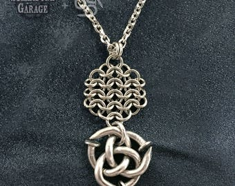 Nail Triqueta Triangle Knot - SPG collaboration Featuring Nailmaille ®